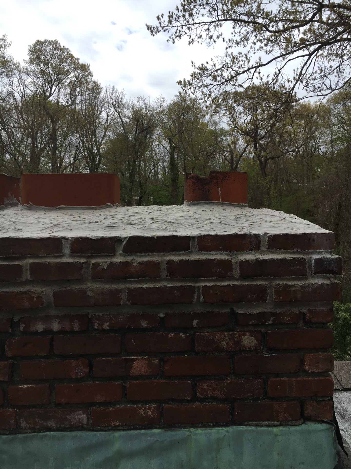 Chimney after repointing and crown